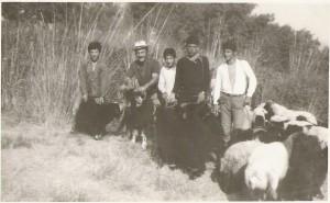 من اليمين تيدي يلدا, اويقم وليم, ميشائيل كوركيس, عمانوئيل كوركيس و بنيامين ياقو